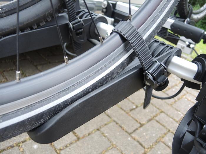 Einer der wenigen Nachteile: die Standschienen des Uebler X21 nano sind für Räder mit langem Radstand nicht optimal. Foto: Volkhausen.