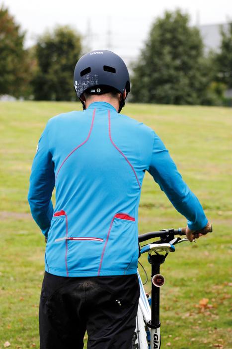 Hält schön warm: Gore Bike Wear Countdown 2.0. Foto: Partzsch.