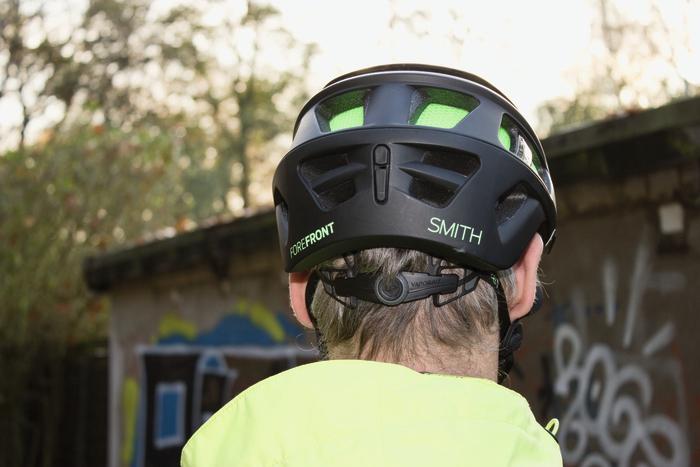 Die Rückseite des Forefront-Helmes.