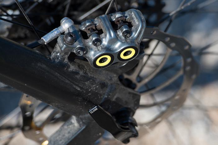 Schön anzusehen und leicht zu warten: Vier Kolben sitzen im geschmiedeten Bremssattel der Magura MT7. Foto: Hersteller.