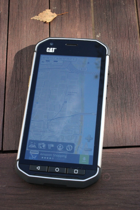 Catphone S40: Hardware-Tasten zur Navigation, helles Display gegen Sonneneinstrahlung. Fotos: Partzsch.