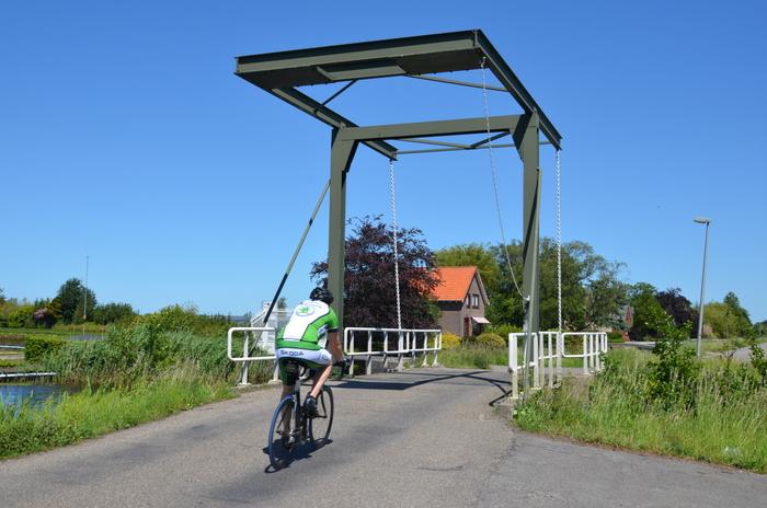 Hubbrücke in Nieuwebrug. Foto: Hans Kothe.