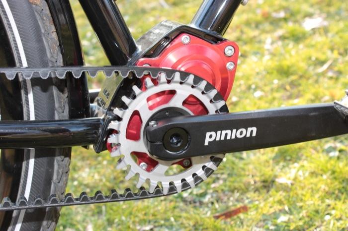 Conti-Riemenantrieb mit Pinion 18-Gang-Getriebe leise, wartungsarm, fein gestuft. Foto: Lisa Partzsch
