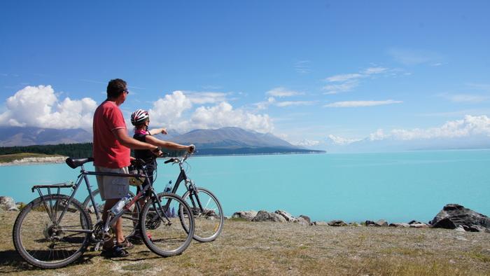 Eine Radtour um den Lake Tekapo mit schönen Aussichten. Foto: Nature Trailz/Biketeam Radreisen.