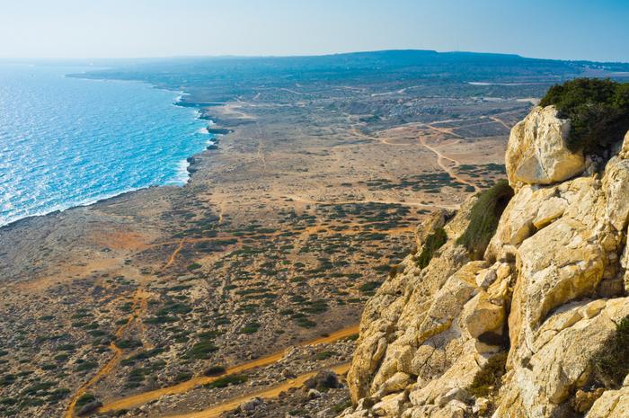 Immer wieder bieten sich beeindruckende Ausblicke auf Küste und Meer.