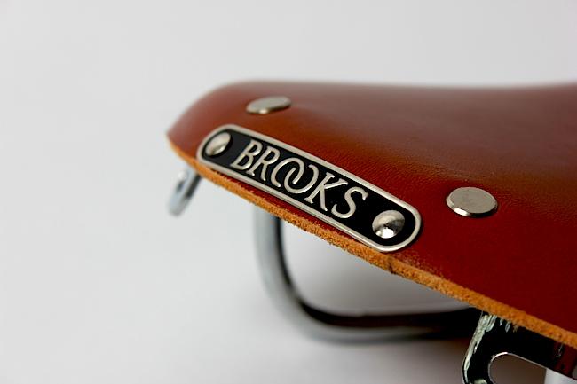 Ledersattel gleich Brooks? Ja, aber es gibt mehr. Welche zeigt unsere Kaufberatung. Bild: Gathmann