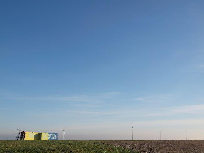 Der Himmel über Berlin vom Arkenberg aus gesehen, angeblich der höchste Gipfel der Hauptstadt. Bild: Jacobs.