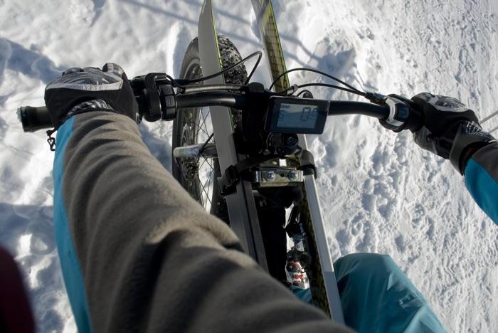 Tipp für E-Bike-Fahrten im Winter: Akkus mögen's warm. Foto: shutterstock